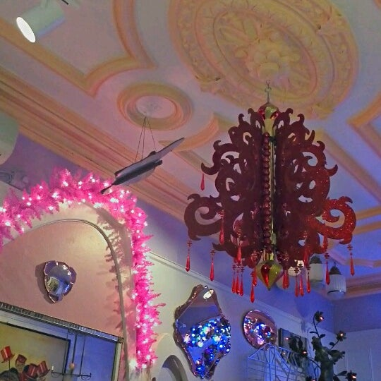 Photo taken at Serendipity 3 by Isaac B. on 11/29/2012