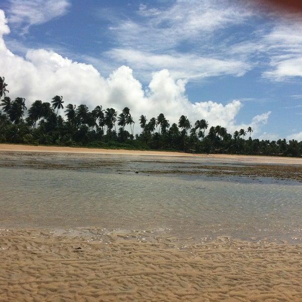Foto tirada no(a) Praia de São Miguel dos Milagres por Debora F. em 8/22/2013