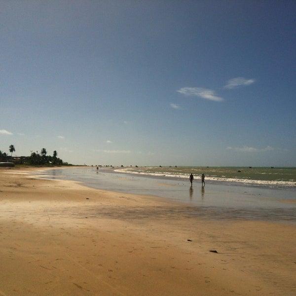 Boa praia. Excelente estrutura, sem ambulantes e bons preços nas bebidas e comidas.