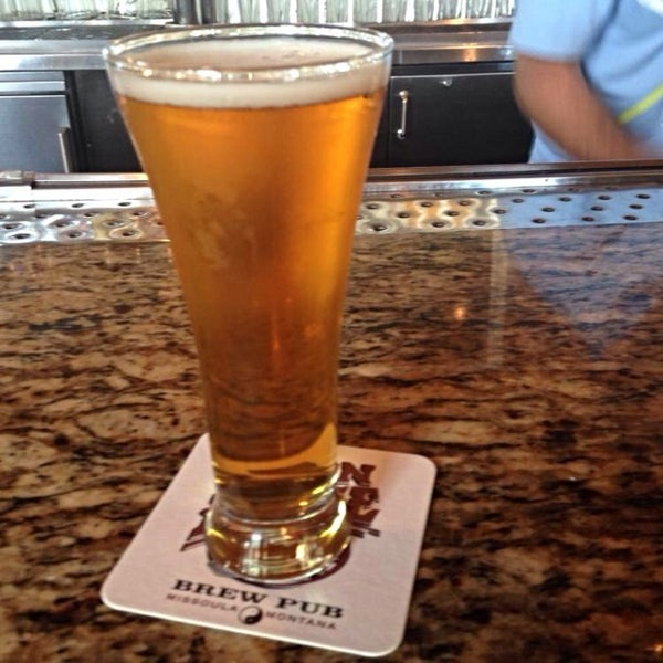Photo taken at Iron Horse Brew Pub by Radd I. on 7/20/2014