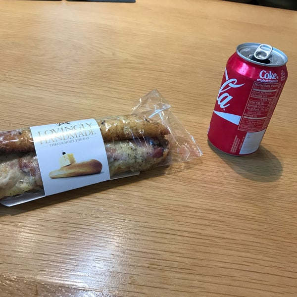 Photo taken at Pret A Manger by Nekit on 11/3/2016