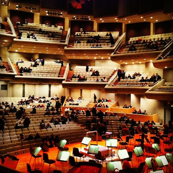 Roy Thomson Hall - Concert Hall in Entertainment District