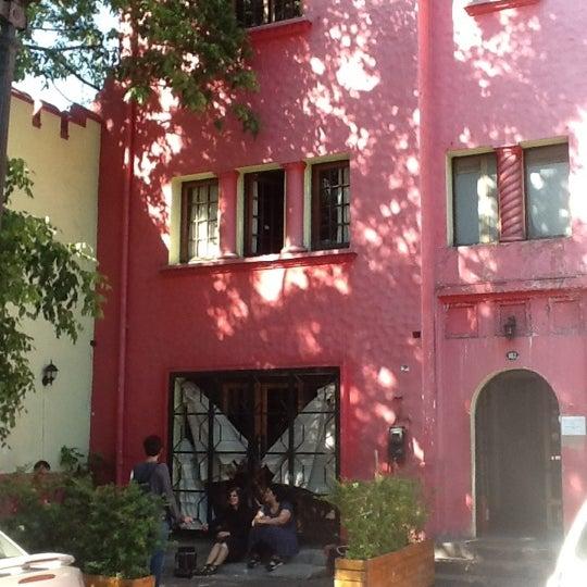 Foto tomada en Aji Hostel por Adolfo Q. el 11/24/2012