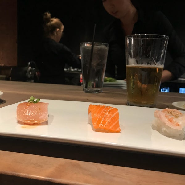 Photo taken at Sugarfish by Ruby A. on 11/9/2017