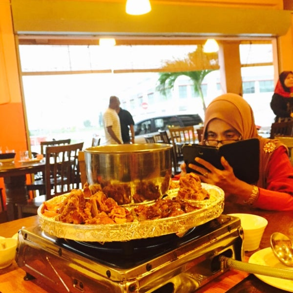 Photo taken at Mak Engku Steamboat & Grill by Amirul A. on 8/30/2015