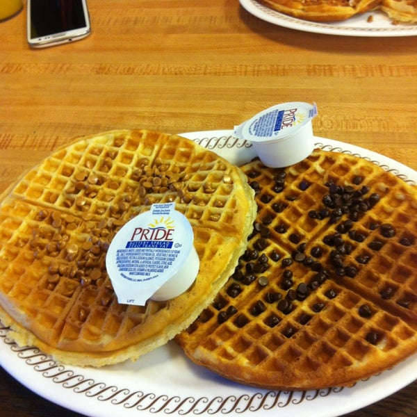 Photo taken at Waffle House by Anthony G. on 3/6/2013