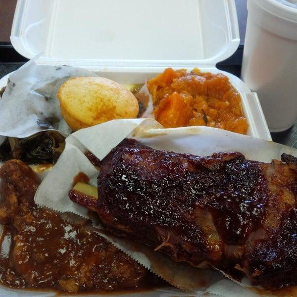 Photo taken at Nana's Soul Food Kitchen by Jeanise C. on 5/19/2014