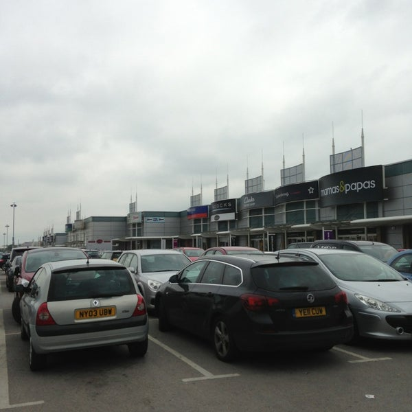 รูปภาพถ่ายที่ Parkgate Shopping Centre โดย Gaz เมื่อ 6/5/2013