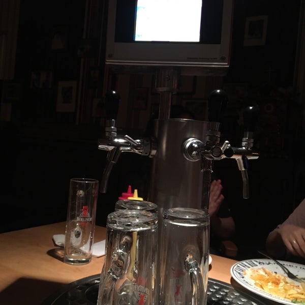 Das Foto wurde bei The Pub Berlin von Patri M. am 8/25/2017 aufgenommen