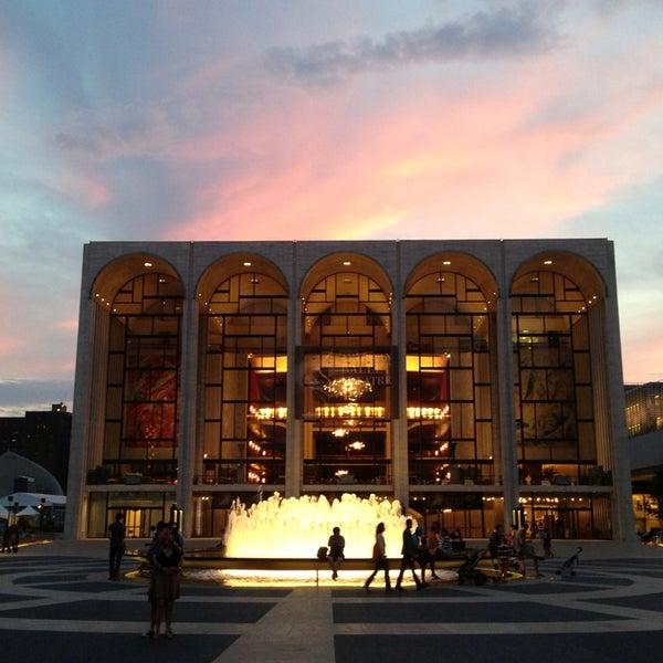 6/18/2013にStephen K.がLincoln Center for the Performing Artsで撮った写真