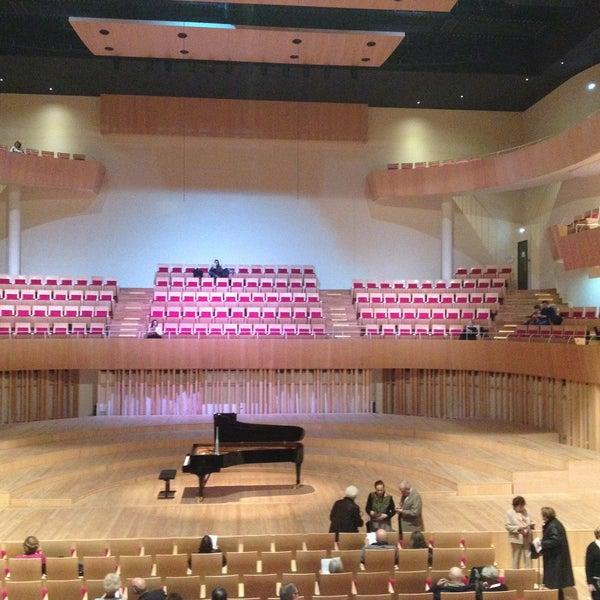 Auditorium de bordeaux opera house in bordeaux - Petuaud letang ...