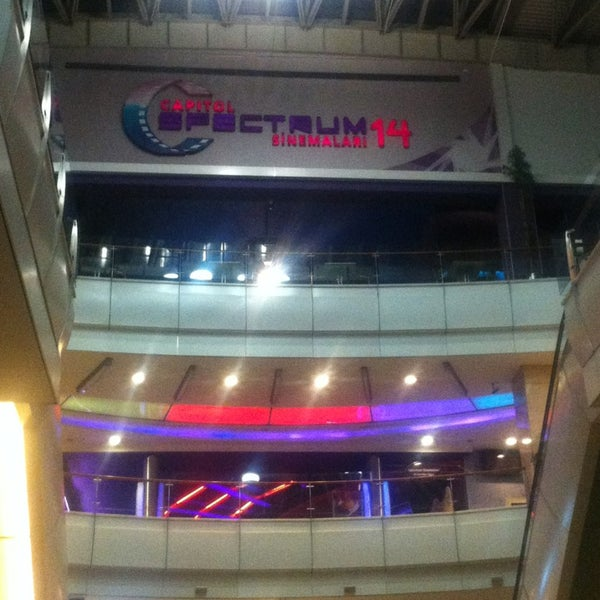 3/7/2013 tarihinde Alp A.ziyaretçi tarafından Spectrum Cineplex'de çekilen fotoğraf