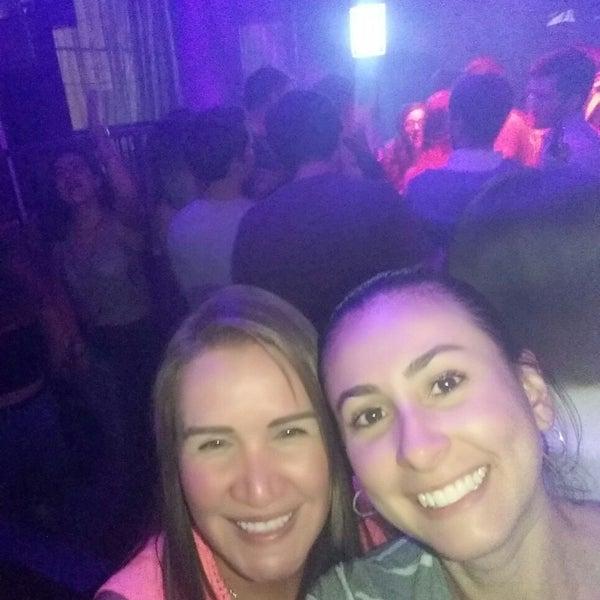 Das Foto wurde bei Ride Club von Alejandra S. am 9/4/2017 aufgenommen
