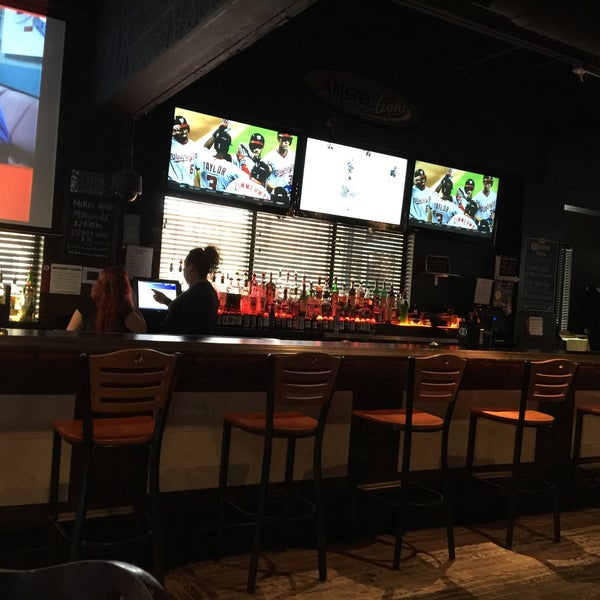 Photo taken at Madd Anthony's Bar by Bernardo T. on 4/25/2016