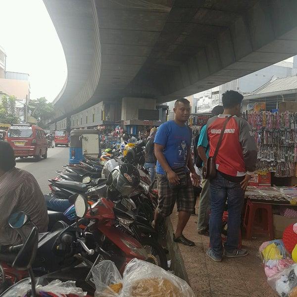 Photo taken at Pasar Asemka by bobby w. on 10/11/2016