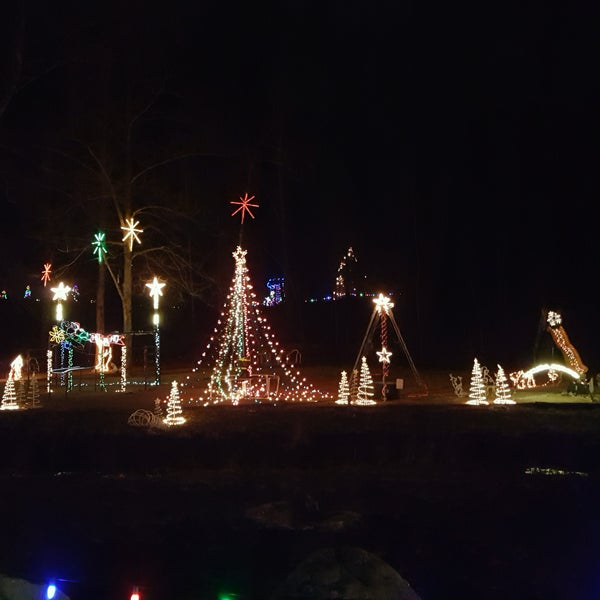 Fort St Clair Christmas Lights 2020 Fort St Clair Whispering Christmas 2020 | Umfdkr.newyear24.site