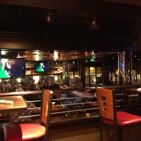 Fridays Restaurant Woodland Hills