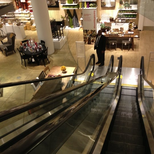 Photo taken at Crate and Barrel by Jay Y. on 11/11/2012