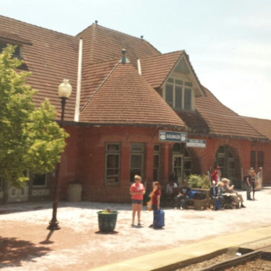 Photo taken at Kalamazoo Transportation Center - Amtrak (KAL) by Aaron C. on 6/4/2013