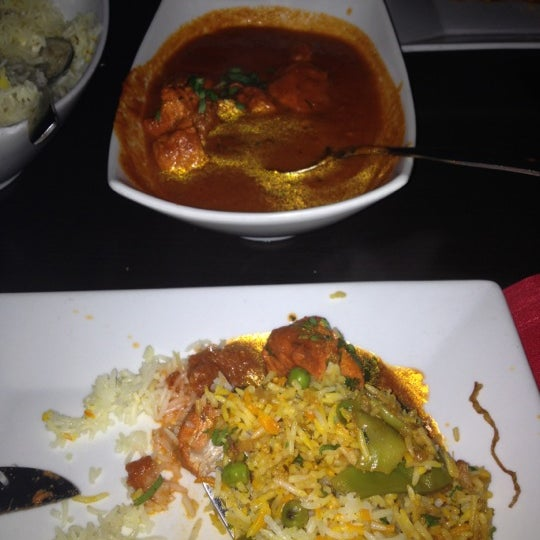 Photo taken at Saffron Indian Cuisine by Alaa A. on 10/27/2012