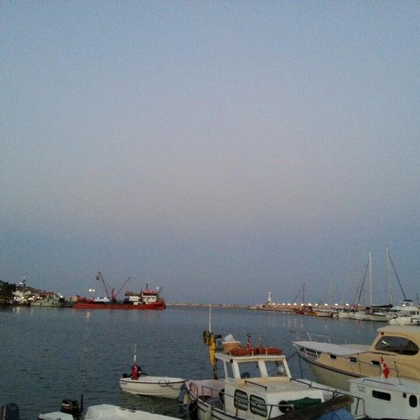 6/25/2013 tarihinde Hilal B.ziyaretçi tarafından Küçükkuyu Limanı'de çekilen fotoğraf