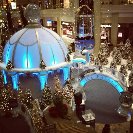 Photo taken at Woodfield Mall by Amanda W. on 11/9/2012