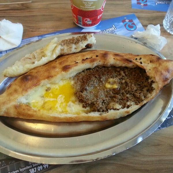 Das Foto wurde bei Zigana Pide von Aysima Ç. am 7/15/2016 aufgenommen