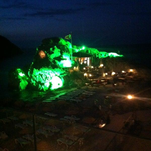 9/13/2013 tarihinde Murat Y.ziyaretçi tarafından İyot Restaurant'de çekilen fotoğraf
