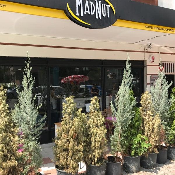 8/22/2017 tarihinde Serkan İ.ziyaretçi tarafından MadNut Cafe&Casual Dining'de çekilen fotoğraf