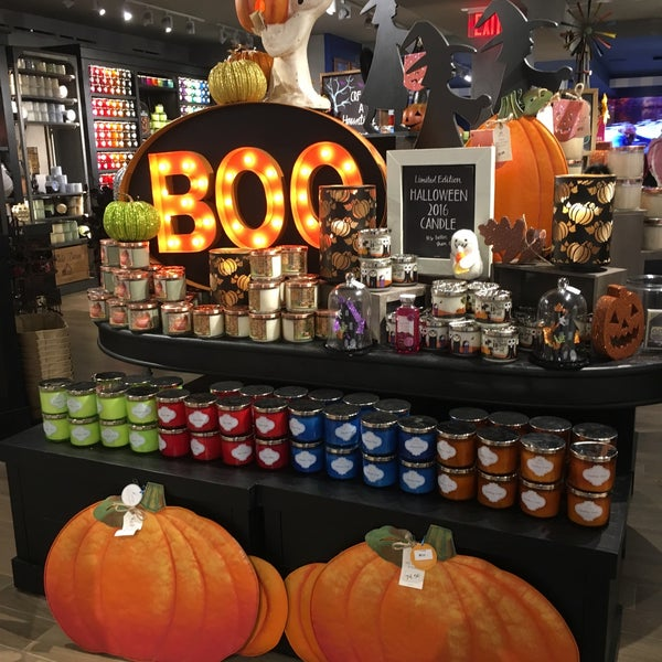 photo taken at bath body works by anna s on 930