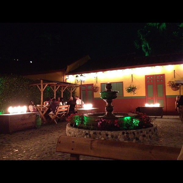Foto tomada en Marmoleo por Camilo J. el 11/25/2012