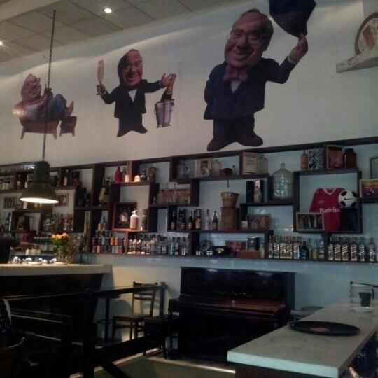 Foto tirada no(a) Verissimo Bar por Marcio G. em 12/14/2012