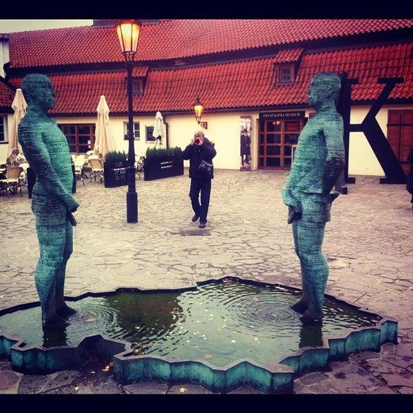 11/19/2012 tarihinde Olya K.ziyaretçi tarafından Franz Kafka Museum'de çekilen fotoğraf