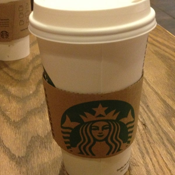 Photo taken at Starbucks by Maria L D. on 3/8/2013