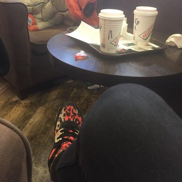 Снимок сделан в Krispy Kreme пользователем Александр Р. 1/11/2017