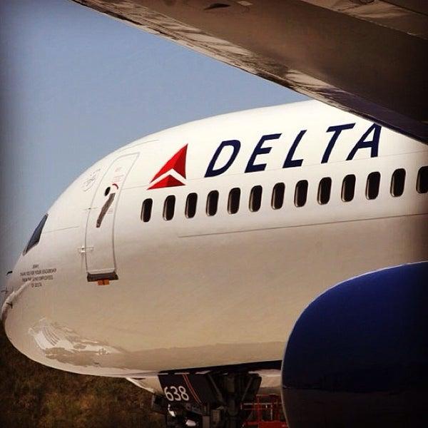 Photo taken at Hartsfield-Jackson Atlanta International Airport (ATL) by Mykola L. on 11/9/2013