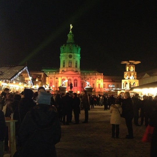 Photo taken at Weihnachtsmarkt vor dem Schloss Charlottenburg by Maxim N. on 12/13/2012