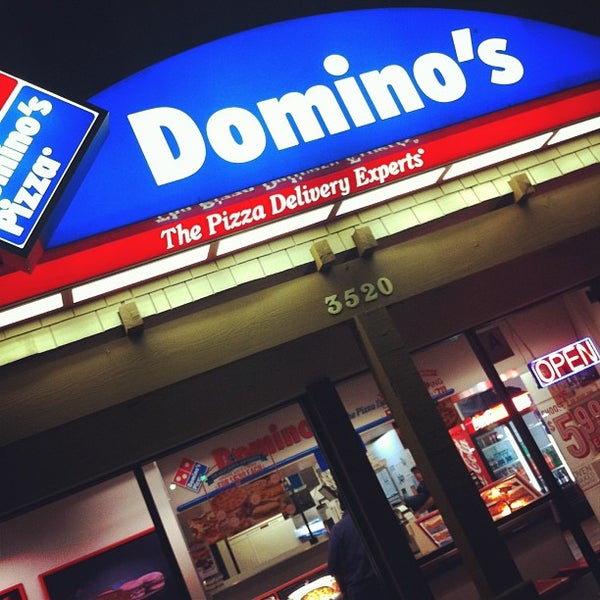 Photo taken at Domino's Pizza Team Mesa College by Lamees Al-Gh on 6/23/2013