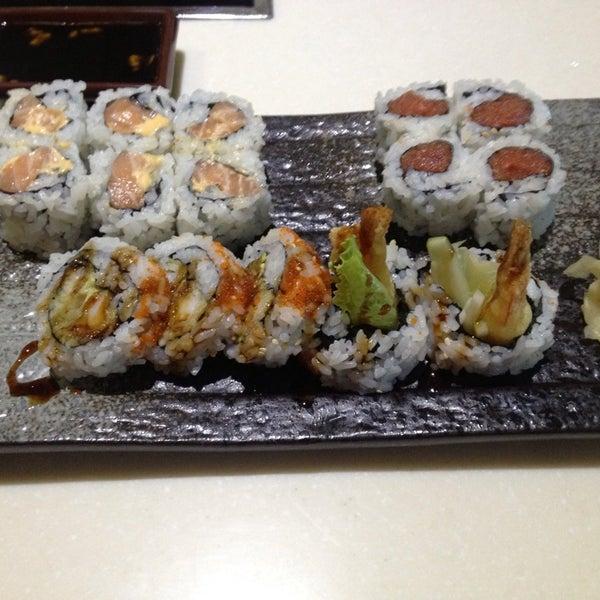 Fusion fire asian fondue sushi bar now closed asian for Asian fusion cuisine and sushi bar