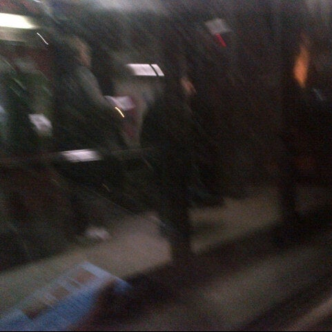 Photo taken at Metro North - North White Plains Station by Vicario Brensley P. on 1/24/2013