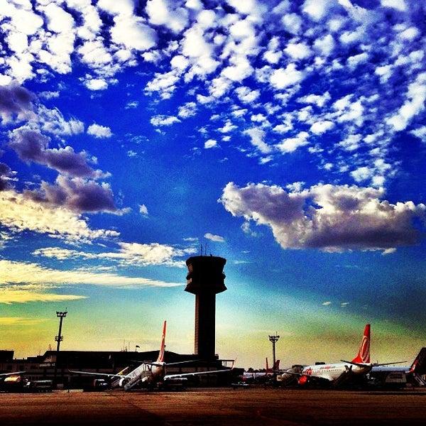 Снимок сделан в Международный аэропорт Конгоньяс/Сан-Паулу (CGH) пользователем Alexandre I. 9/15/2013