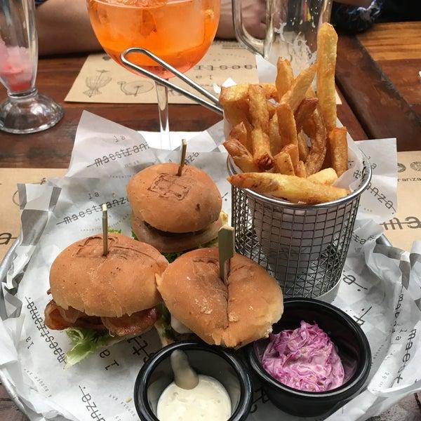 Foto tomada en La Maestranza Sandwich & Burger Bar por Sole L. el 8/6/2017
