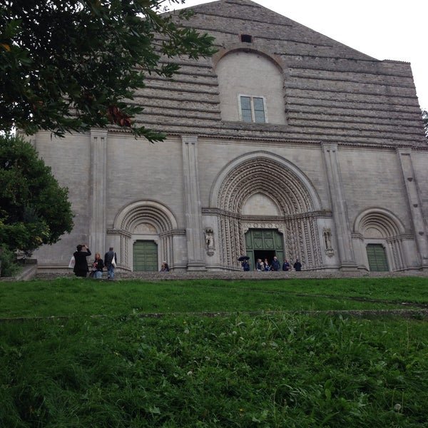 Photo taken at Basilica di San Fortunato by Elisa P. on 9/24/2015