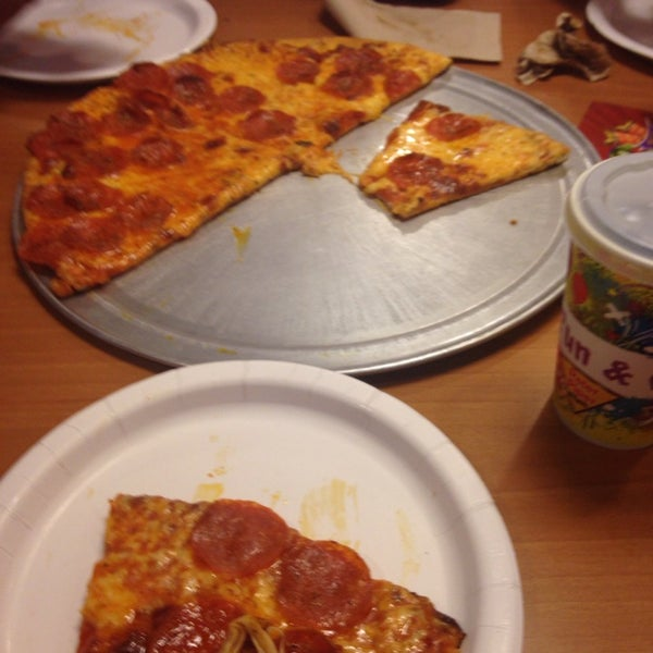 Photo taken at Peter Piper Pizza by Cesar B. on 11/10/2013