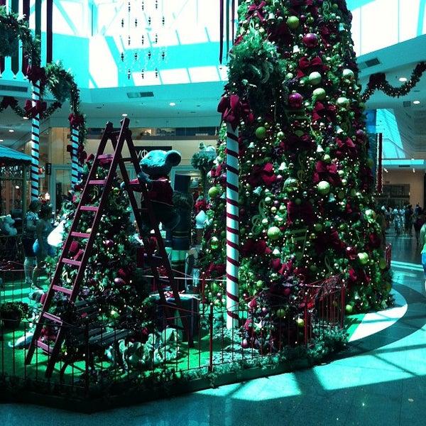 Foto tirada no(a) Shopping Neumarkt por Erico C. em 12/20/2012