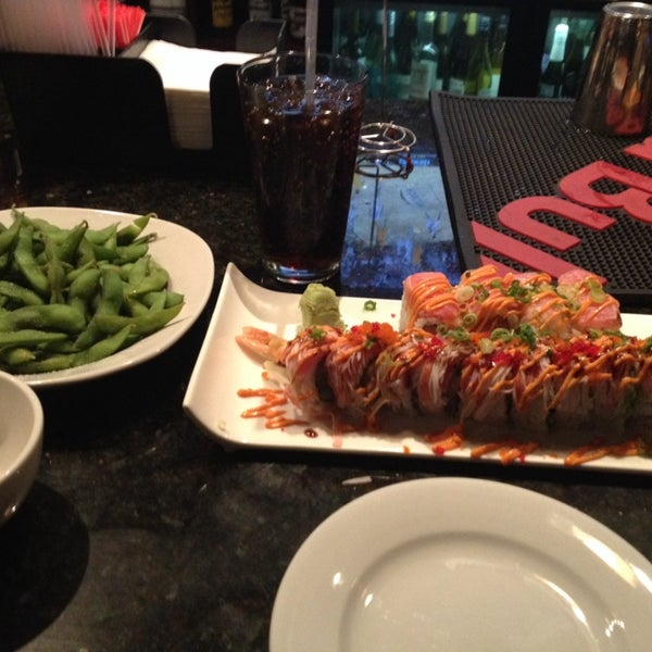 Photo prise au Sushi O Bistro par Jonathan B. le2/2/2014