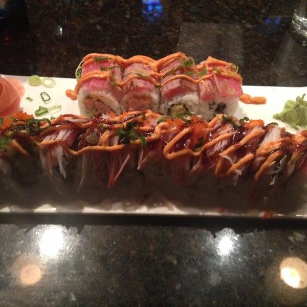 Photo prise au Sushi O Bistro par Jonathan B. le3/1/2014