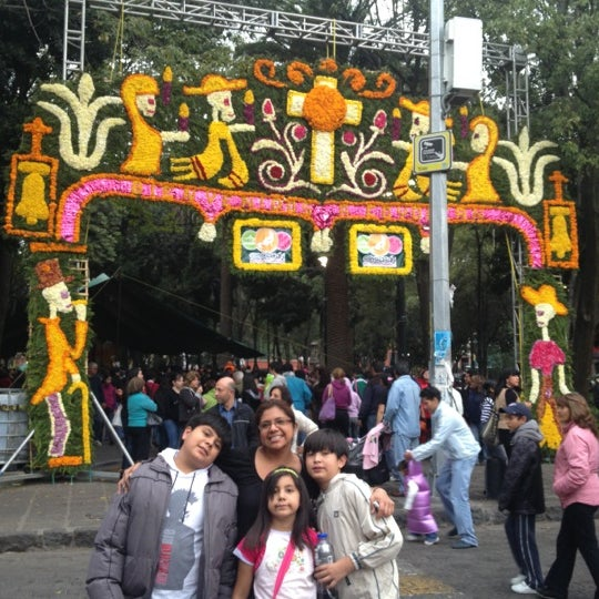 Photo taken at Jardín Hidalgo by Alejandro C. on 11/2/2012