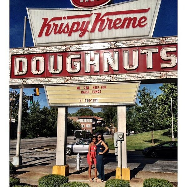 Photo taken at Krispy Kreme Doughnuts by Antonia Olivia L. on 5/25/2013