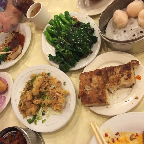 Photo taken at PV Palace Seafood Restaurant by C S. on 7/5/2014